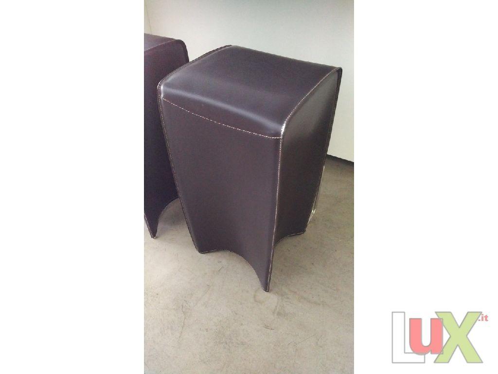 Sgabello modello bongo marrone scuro